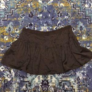 Elizabeth & James Black Pleated Mini Skirt